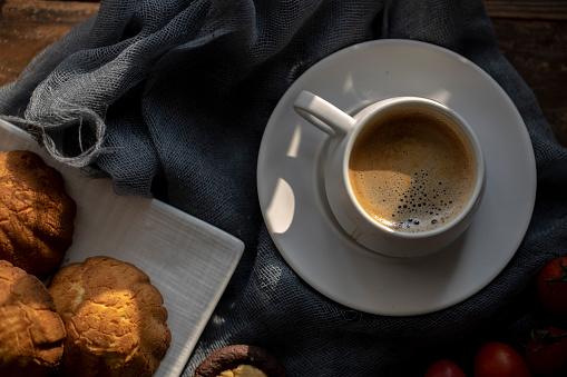 coffee break: cake and espresso