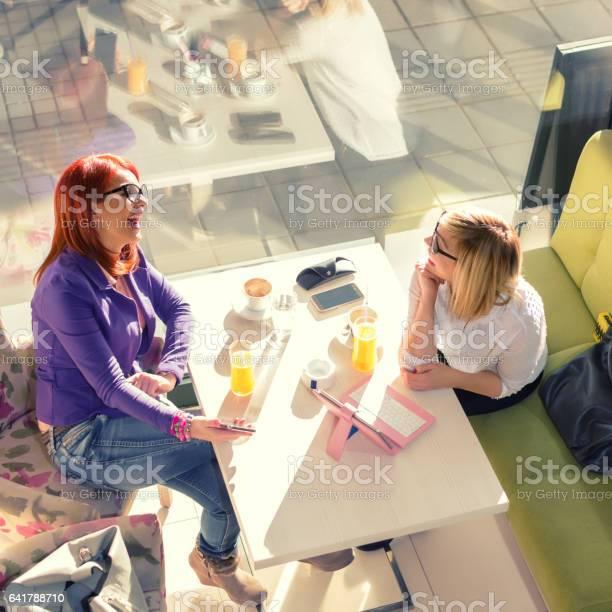 Coffee break picture id641788710?b=1&k=6&m=641788710&s=612x612&h=bfokqkotz4mxn3b3rqobbalcf4geazl9sxn1xbnvmt0=