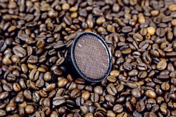 capsula caffè, coffee capsule - gigifoto foto e immagini stock