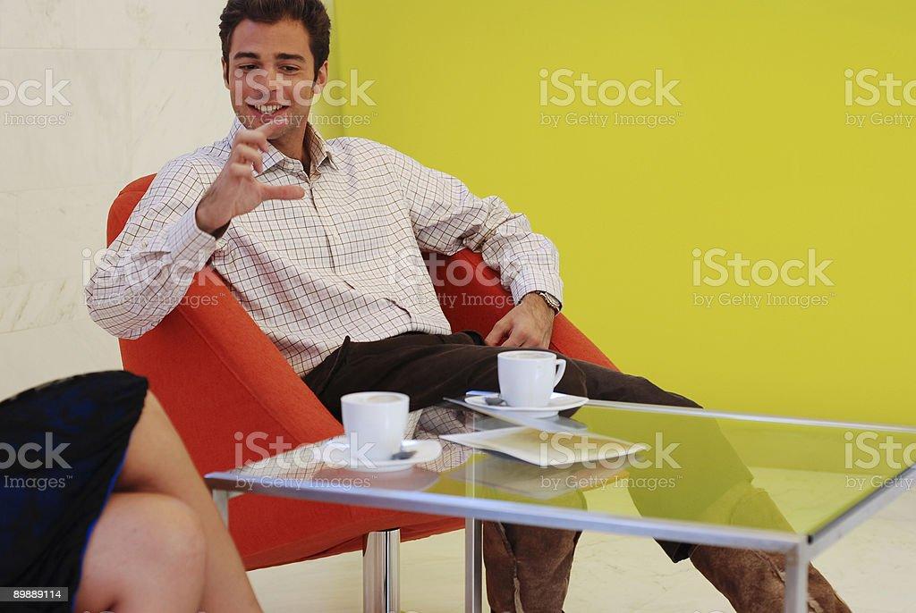 Café conversar. foto de stock libre de derechos