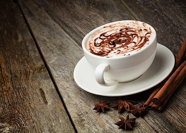 Kaffeetasse, cinnamon sticks – Foto