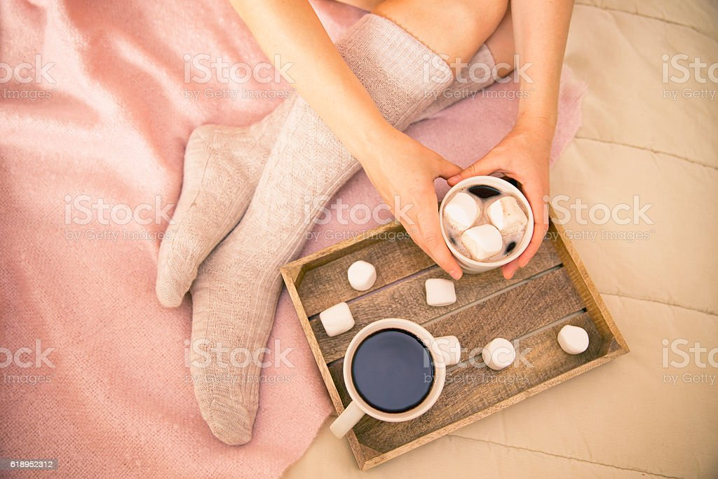 Kawa W łóżku Zdjęcia Stockowe I Więcej Obrazów Beżowy Istock
