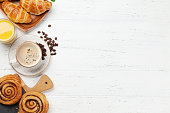istock Coffee, juice and croissants breakfast 1139877562