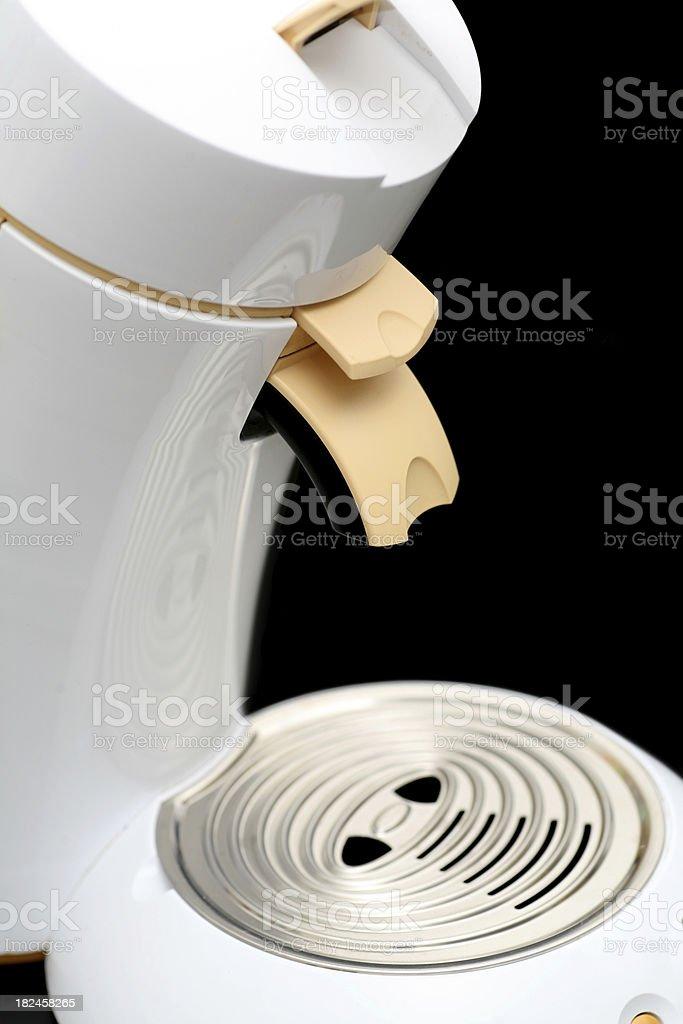 Cafeteira isolado no preto foto royalty-free