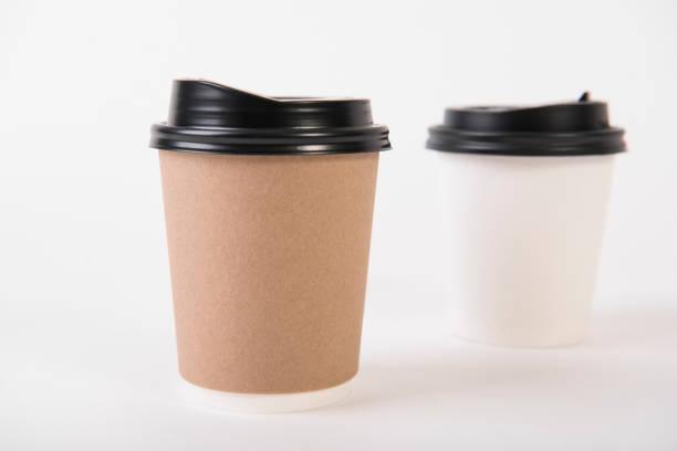 Kaffee Pappbecher. für kreatives Design branding zu verspotten. – Foto