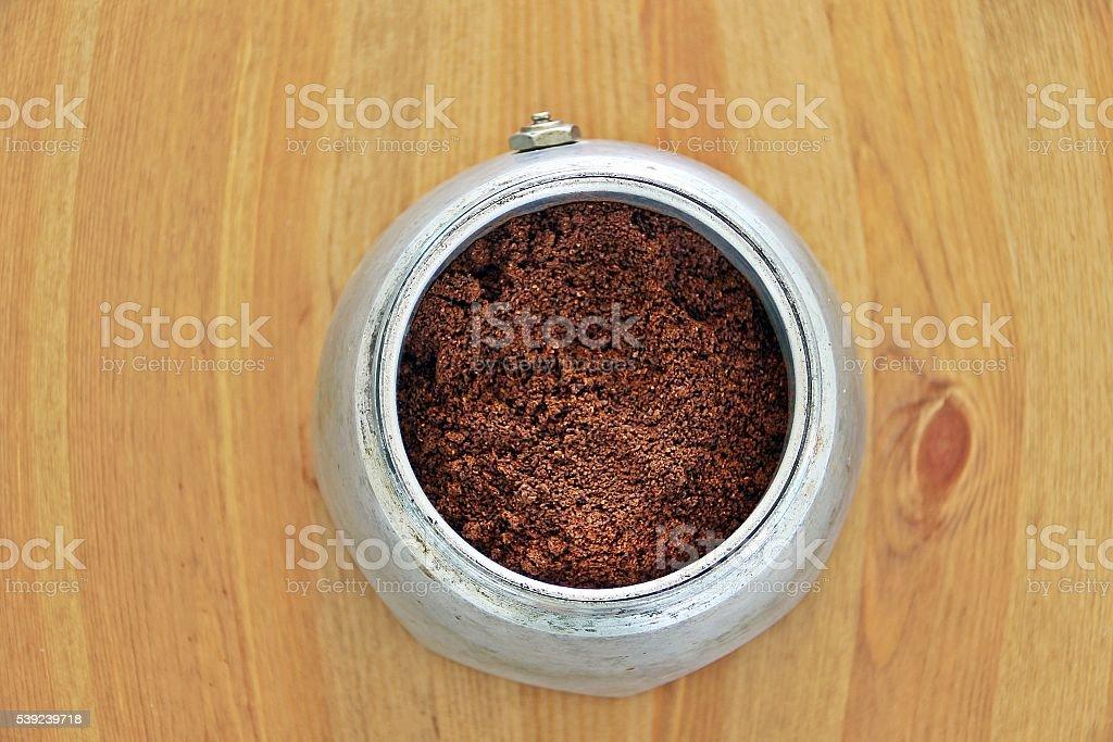 Café polvo en cafetera foto de stock libre de derechos