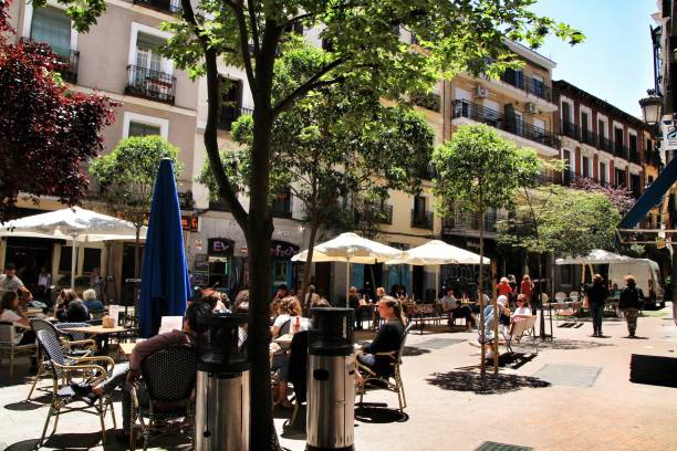 Coffee shop with terrace in la Latina district in  Madrid – zdjęcie