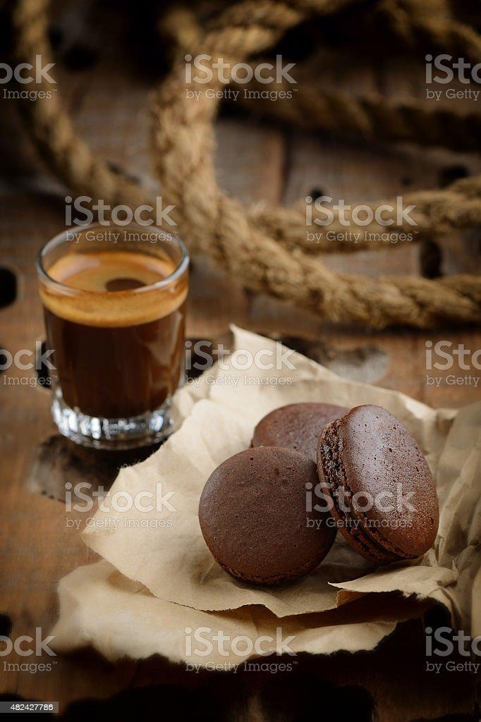 Café y almendrados de chocolate - Foto de stock de 2015 libre de derechos