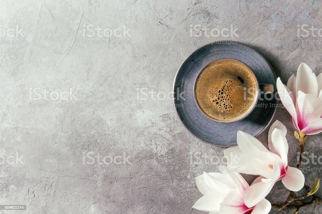 Café con flores de primavera - Foto de stock de Alimento libre de derechos