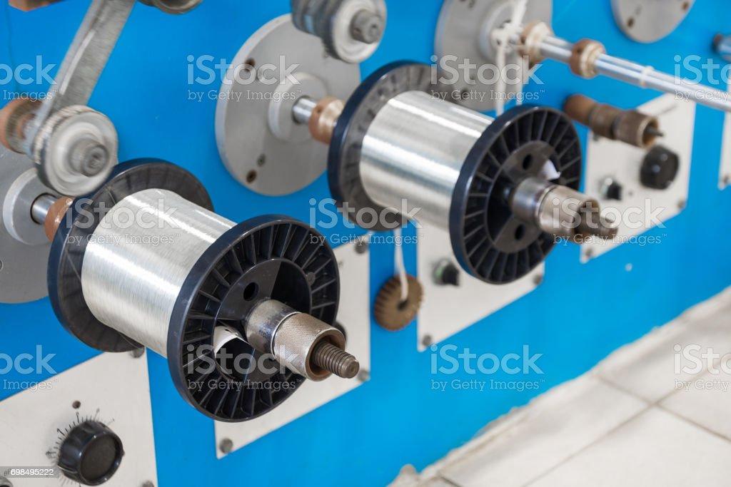 Spulen Mit Verzinnter Draht - Stockfoto   iStock