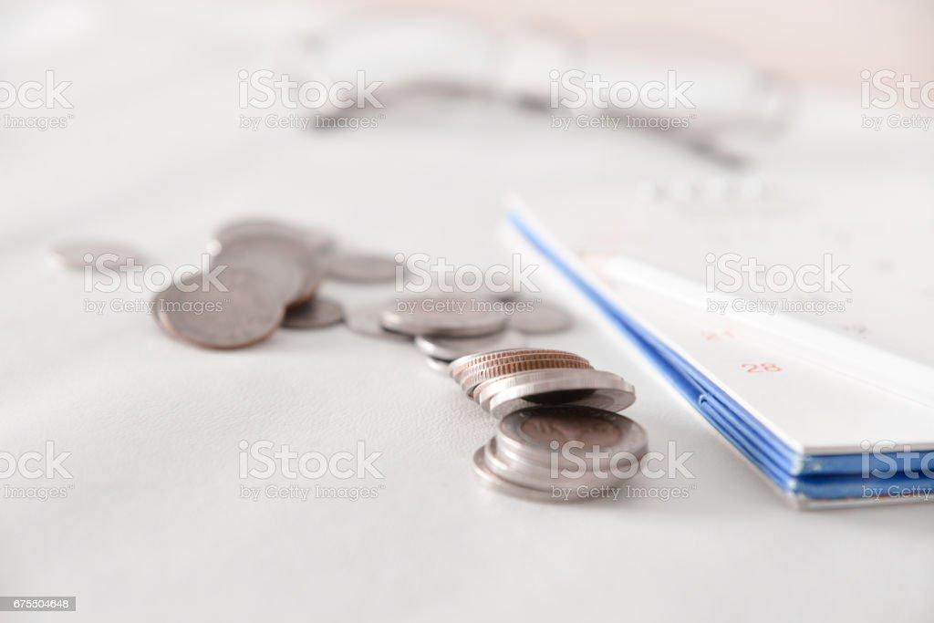 Coin in save money for retire concept photo libre de droits