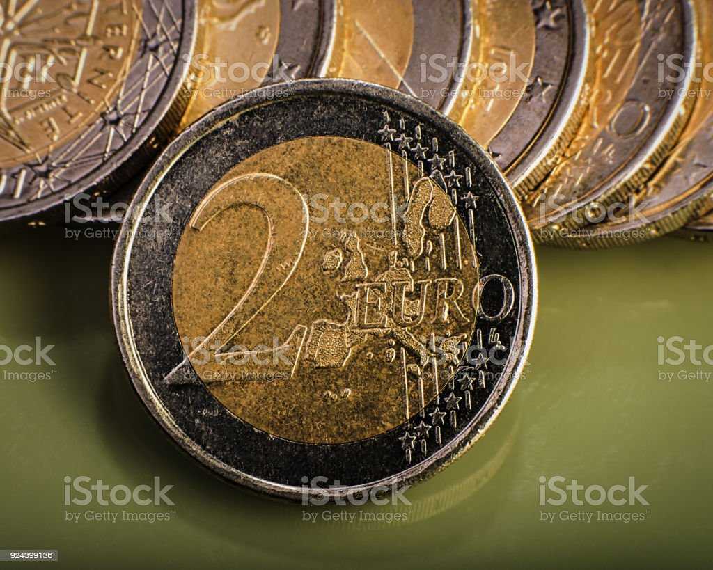 Münze Wert Von Zwei Euro Ist Auf Den Münzen Euro Geld Stock