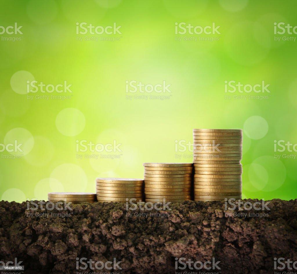 硬貨グラフ株式市場 - カットアウトのロイヤリティフリーストックフォト