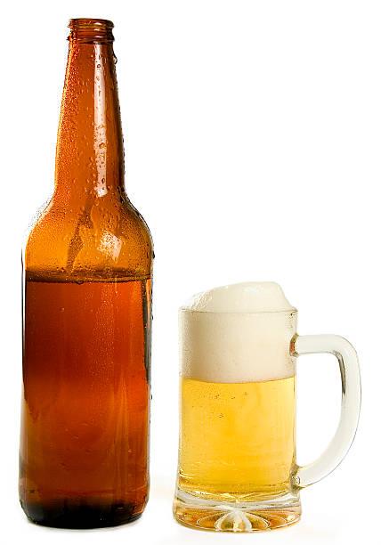 Kaltes Bier und eine Flasche – Foto