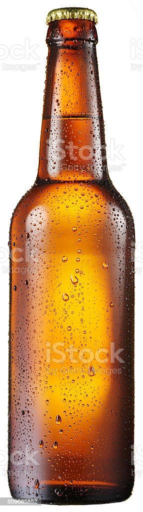 Botella de cerveza fría con condensado gotas de agua sobre él. - foto de stock