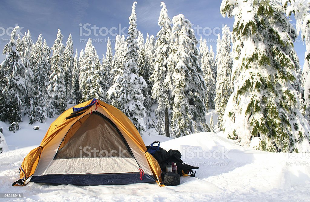 Freddo campeggio foto stock royalty-free