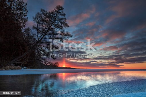 Cold Creek Sunrise pillar, Michigan