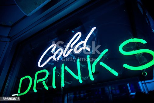 istock Cold Drinks Neon Sign at a Bar 536890823