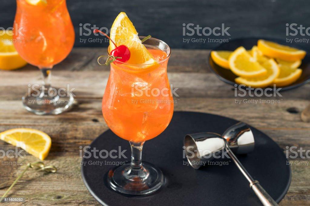 Refrescante cóctel de Singapur Sling frío - Foto de stock de Aperitivo - Bebida alcohólica libre de derechos