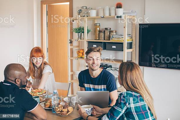 Coliving is new way of life picture id531716154?b=1&k=6&m=531716154&s=612x612&h=zww3cx6uhszimgcipax1vahctasrgds41y9gviggtcs=