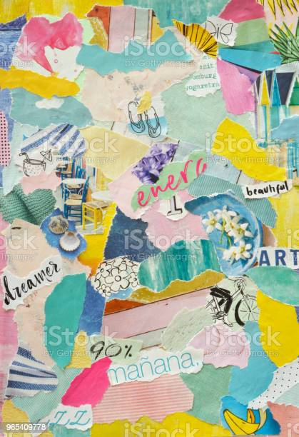 콜라주 기분 보드 현대 예술 공예 종이 인쇄물의 만든 Teared Colorfulpaper의 Teared 인식할 수 없는 조각의 작은 조각 막대기 및 개념에 붙여 0명에 대한 스톡 사진 및 기타 이미지