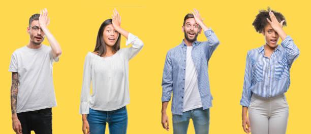 collage von gruppenmenschen, frauen und männern über bunt gelbe isolierte hintergrund überrascht mit hand auf kopf für fehler, erinnern sie sich an fehler. vergessen, schlechtes memory-konzept. - bedauern stock-fotos und bilder