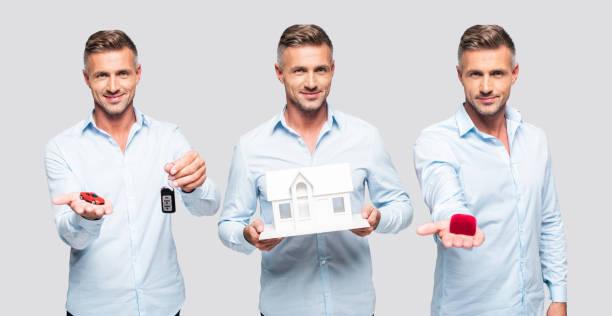collage aus schönen mittelalter mann hält modelle von haus, auto, kleine flasche und rotes feld - foto collage geschenk stock-fotos und bilder