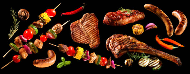 Collage of various grilled meat and vegetables - foto de stock