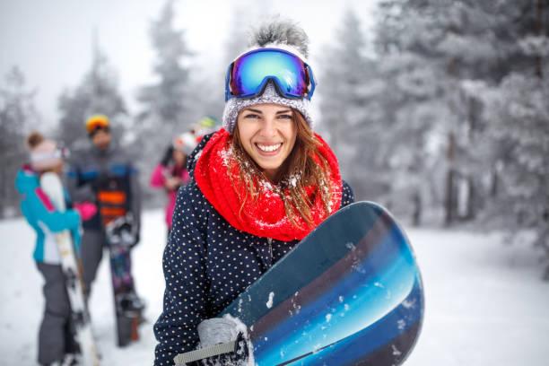 Collage des Winterurlaubs im Skigebiet – Foto
