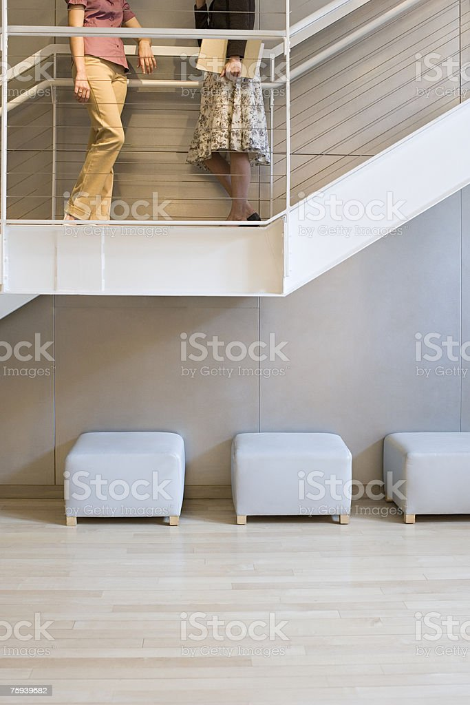 Colegas em escadas foto de stock royalty-free