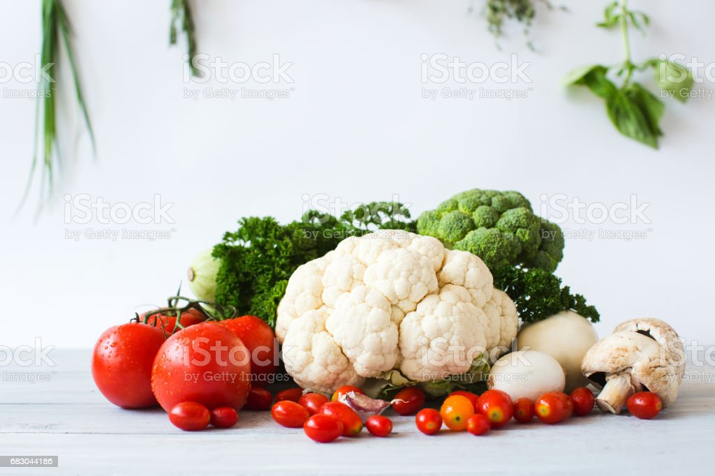 Collection of fresh vegetables on the kitchen table. foto de stock royalty-free
