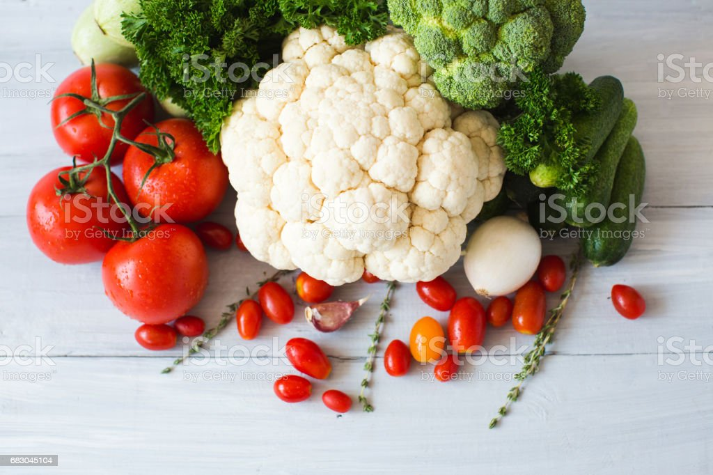 Collection of fresh vegetables on the kitchen table top view. foto de stock royalty-free