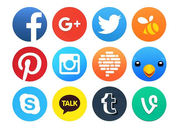 Sammlung von beliebten Runde Soziale Vernetzung Symbole auf Papier gedruckt – Foto