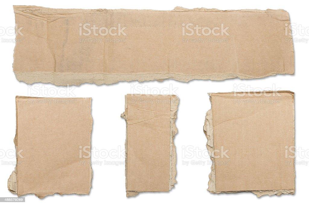 Sammlung von zerrissenen brown Stück Pappe, keine Schatten – Foto
