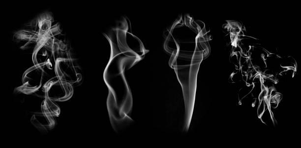 Colección de patrones de humo aislado en negro - foto de stock