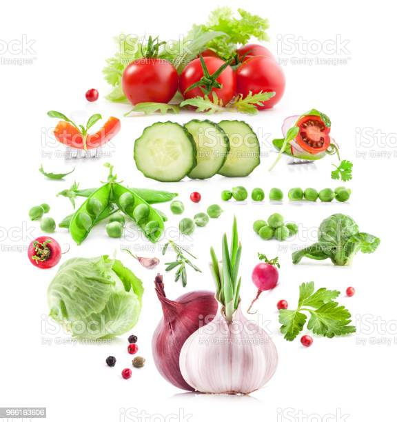 Sammlung Von Gemüse Isoliert Auf Weißem Hintergrund Stockfoto und mehr Bilder von Blatt - Pflanzenbestandteile