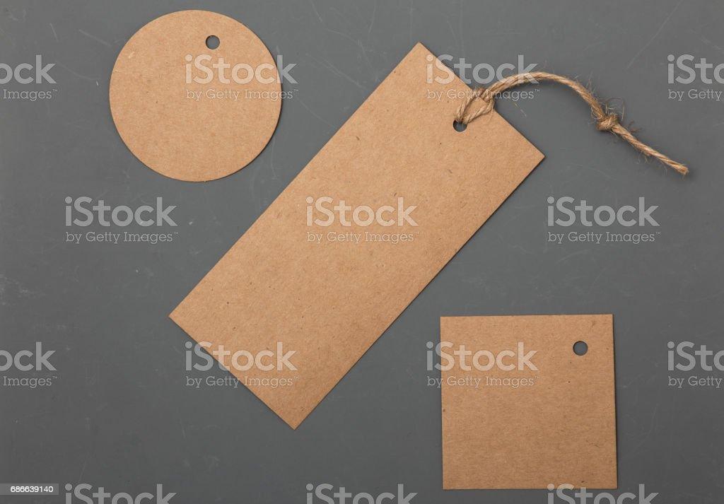 Etiquetas de precio de papel colección rayados fondo gris foto de stock libre de derechos