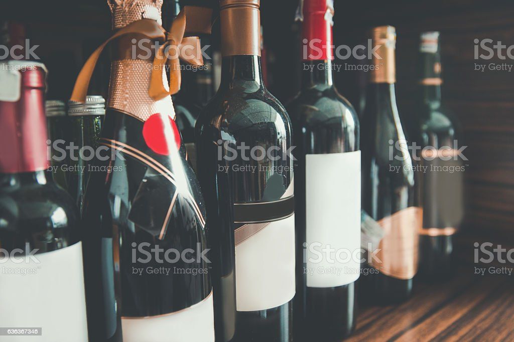 Collection wine bottle in a row foto