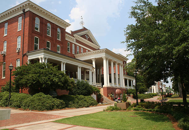 College Campus Small college campus building charlottesville stock pictures, royalty-free photos & images