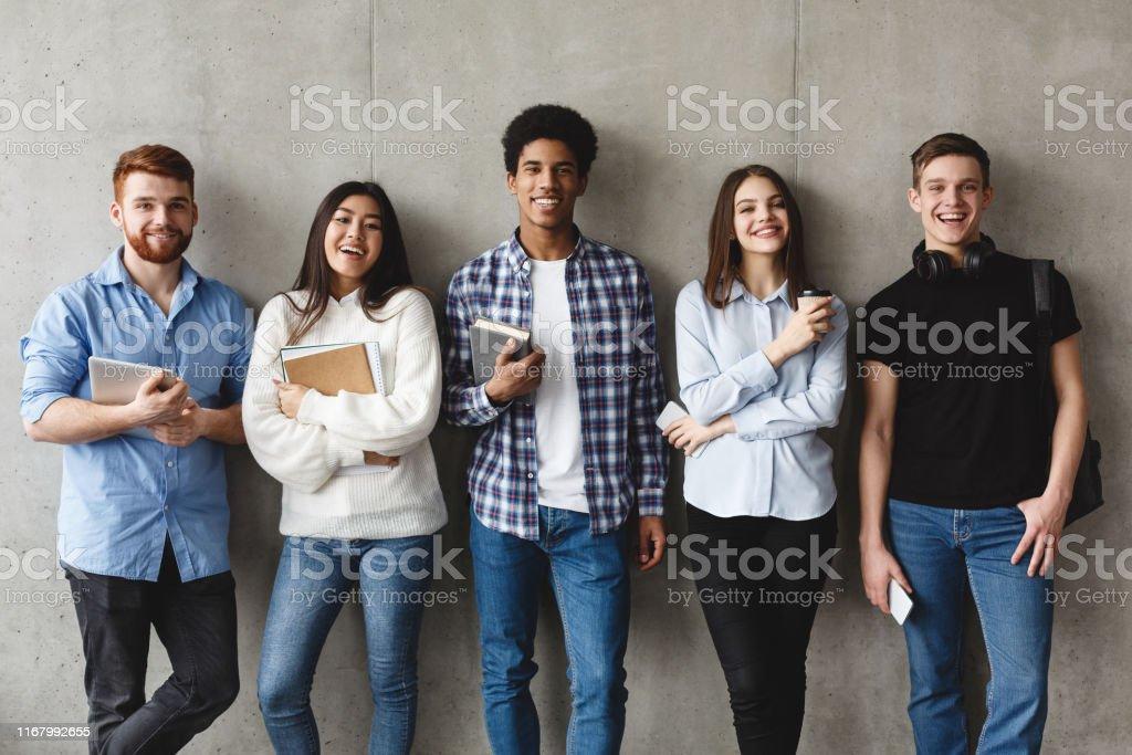 Asiatisches amerikanisches College-Mädchen
