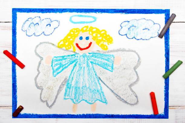coloful zeichnung: schöne engel mit dem lockigen haar - engel zeichnen stock-fotos und bilder