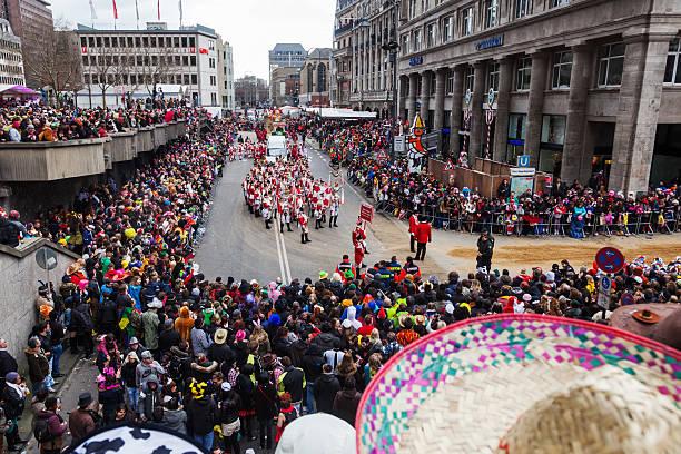 kölner karneval - karnevalskostüme köln stock-fotos und bilder