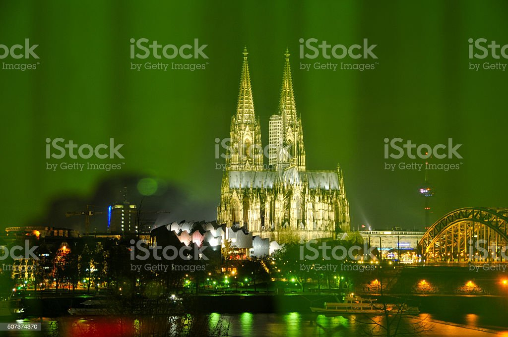 Cologne central station bei Nacht – Foto