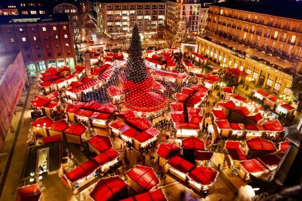 kölner dom weihnachtsmarkt - köln stock-fotos und bilder