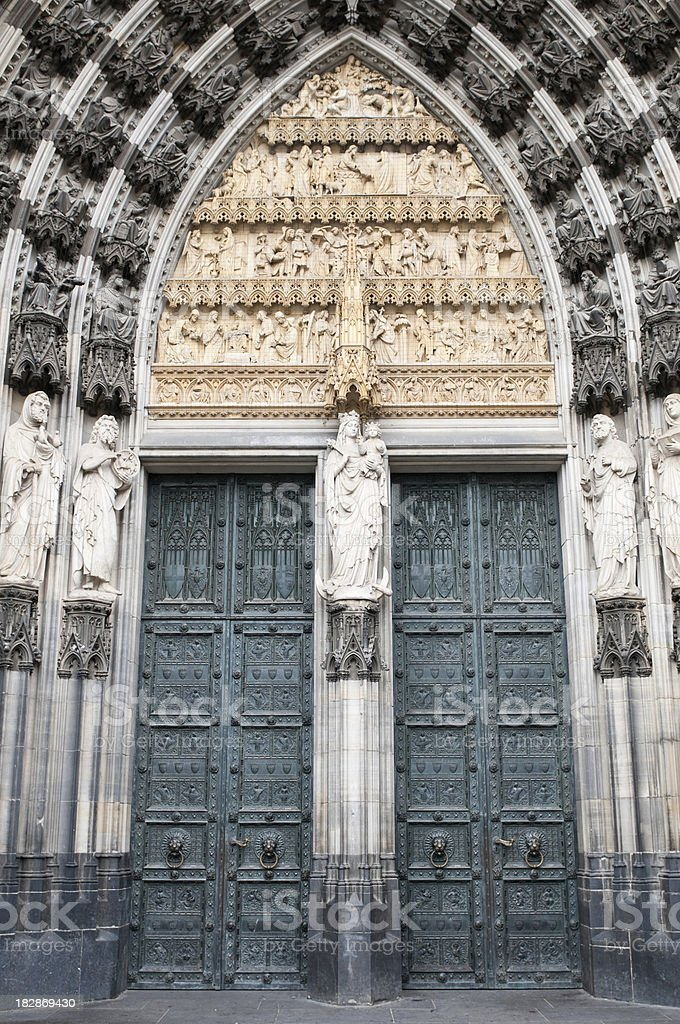 \'Main entrance west portal of Cologne Cathedral, Cologne\'s famous...