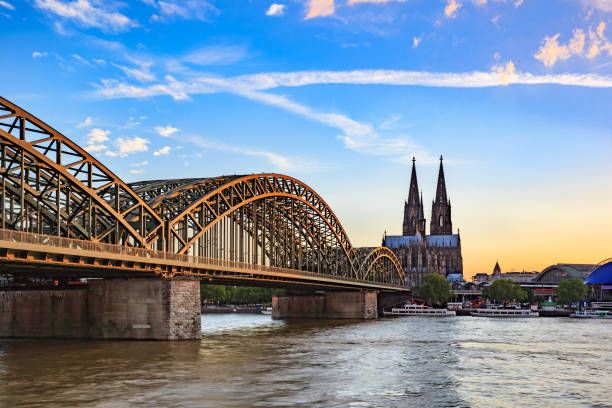 cologne city skyline, germany - hohenzollernbrücke stock-fotos und bilder