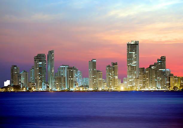 Kolumbien. Cartagena. Die Stadt bei Nacht. – Foto