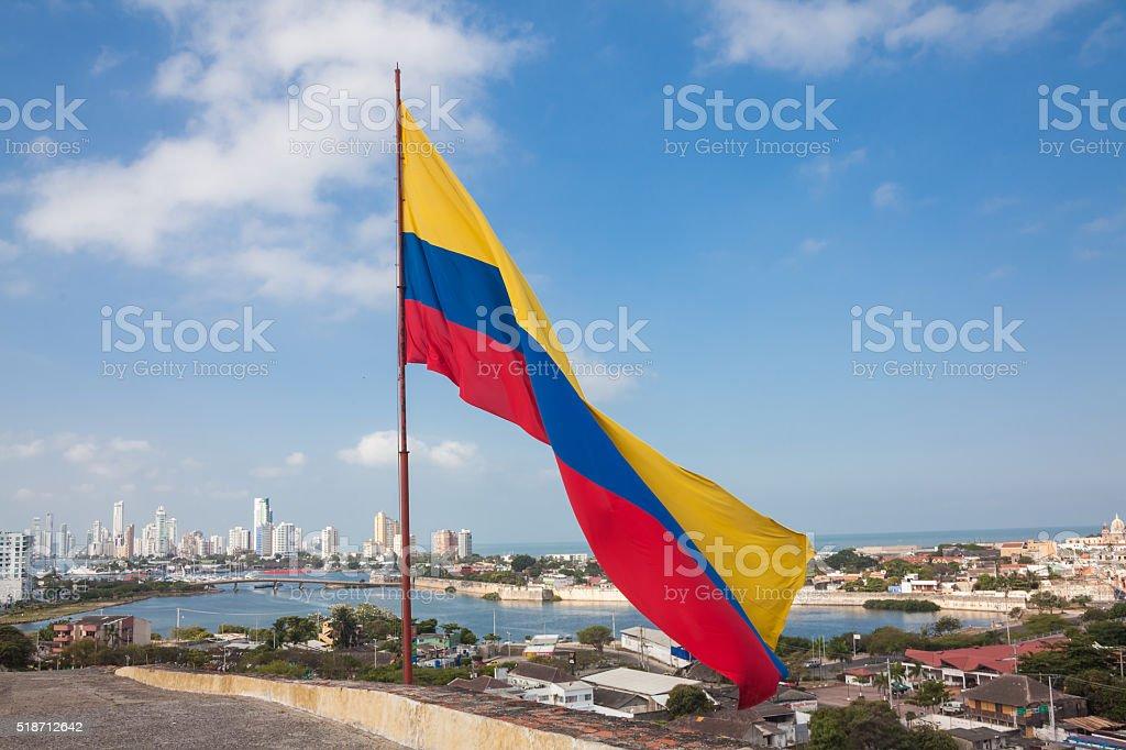 Bandera colombiana en castillo de San Felipe - foto de stock