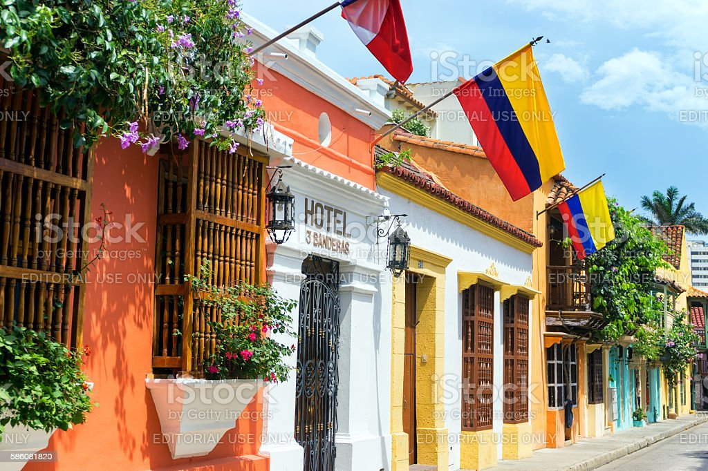 Colombian Flags and Colonial Buildings - foto de stock
