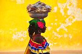 コロンビアの女性。インドカルタヘナデ